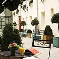 Отель Hotel Suites Unic Renoir Saint-Germain